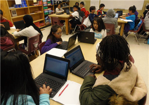 Roosevelt Students in Computer Lab